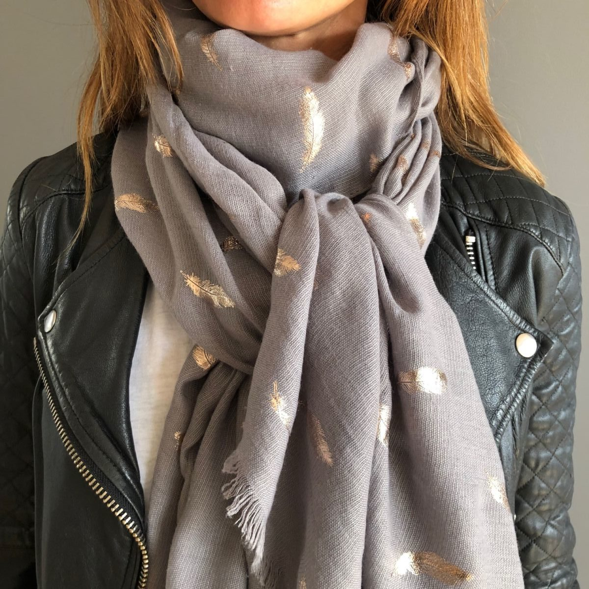 by destele foulard gris
