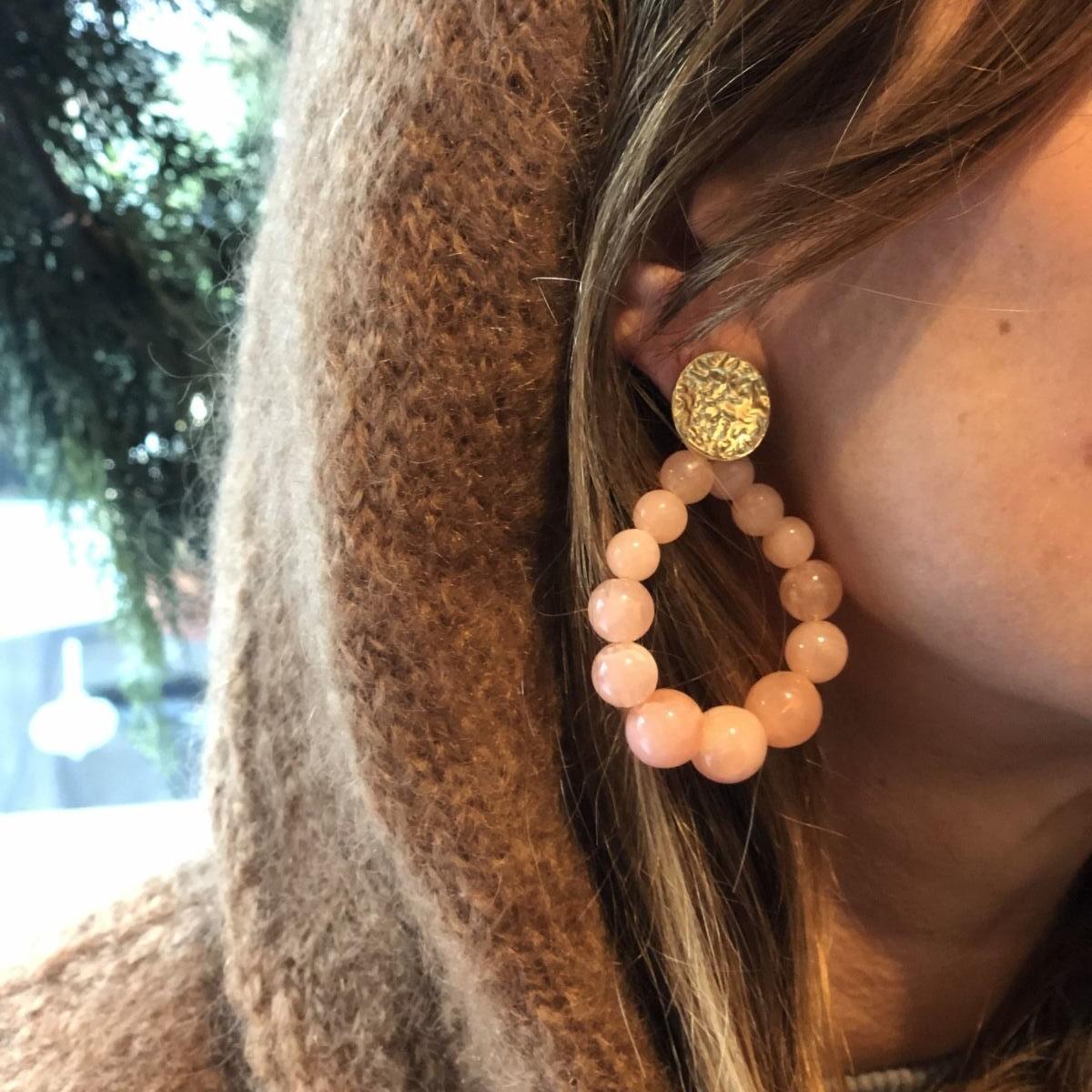 by destele boucles d'oreilles romane roses