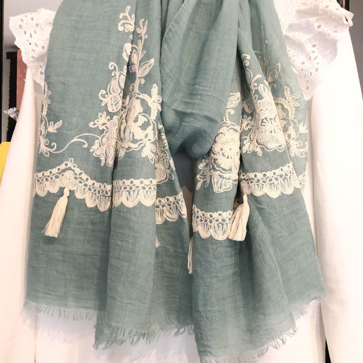 Foulard vert d'eau broderies blanches et pompons by Destele