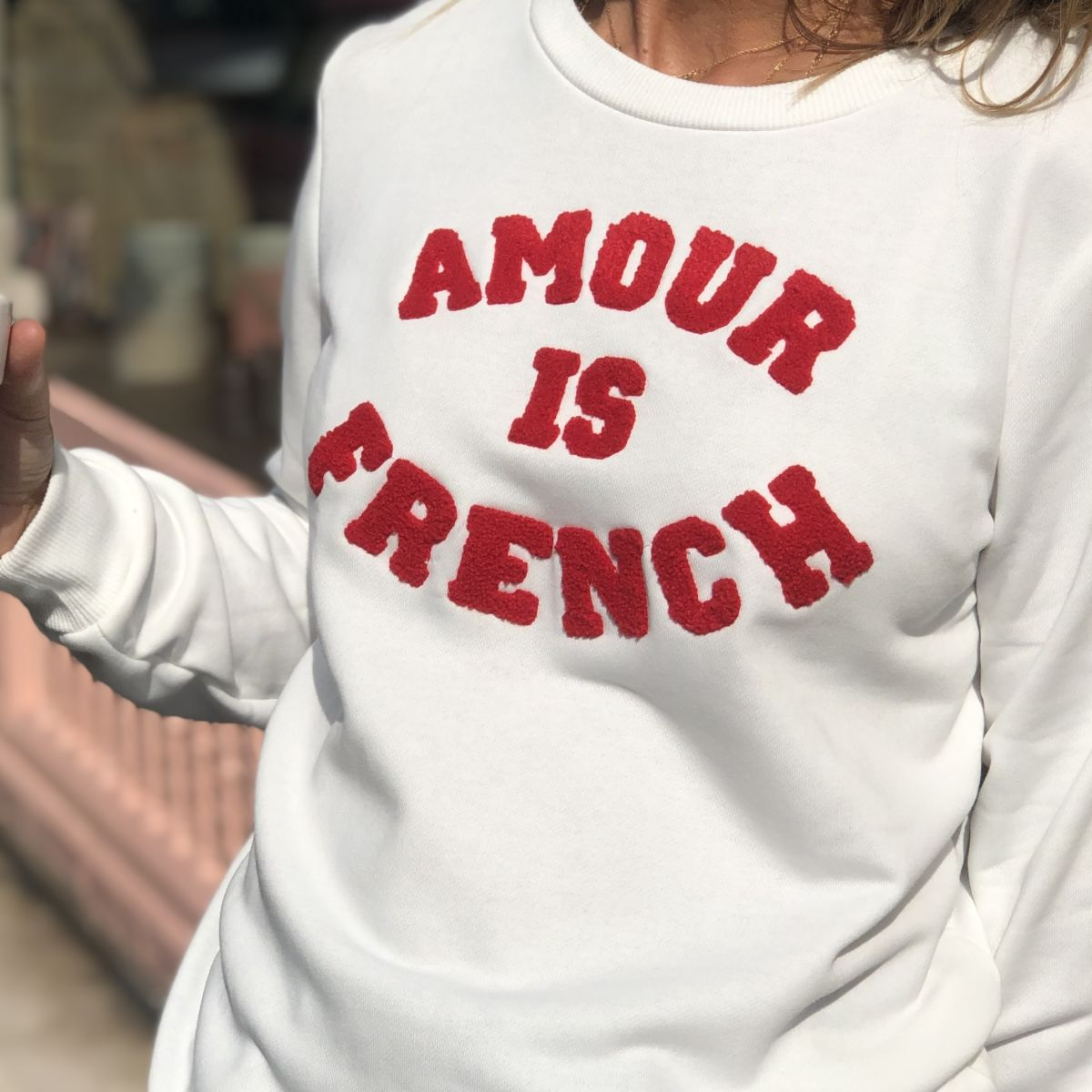 Sweat blanc message amour is French rouge col rond by Destele