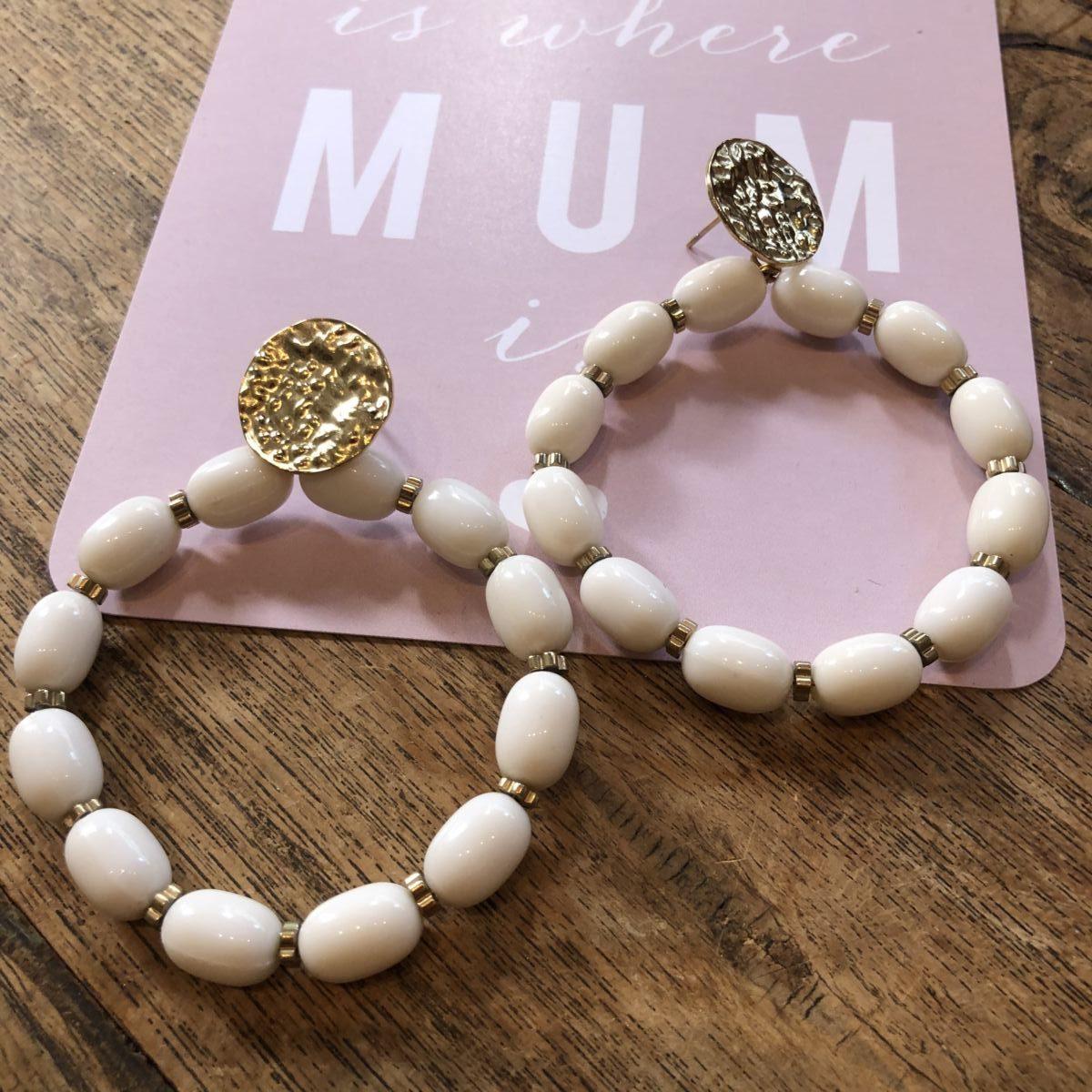 boucles d'oreilles perles blanches by destele