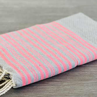 fouta grise rayure rose by destele