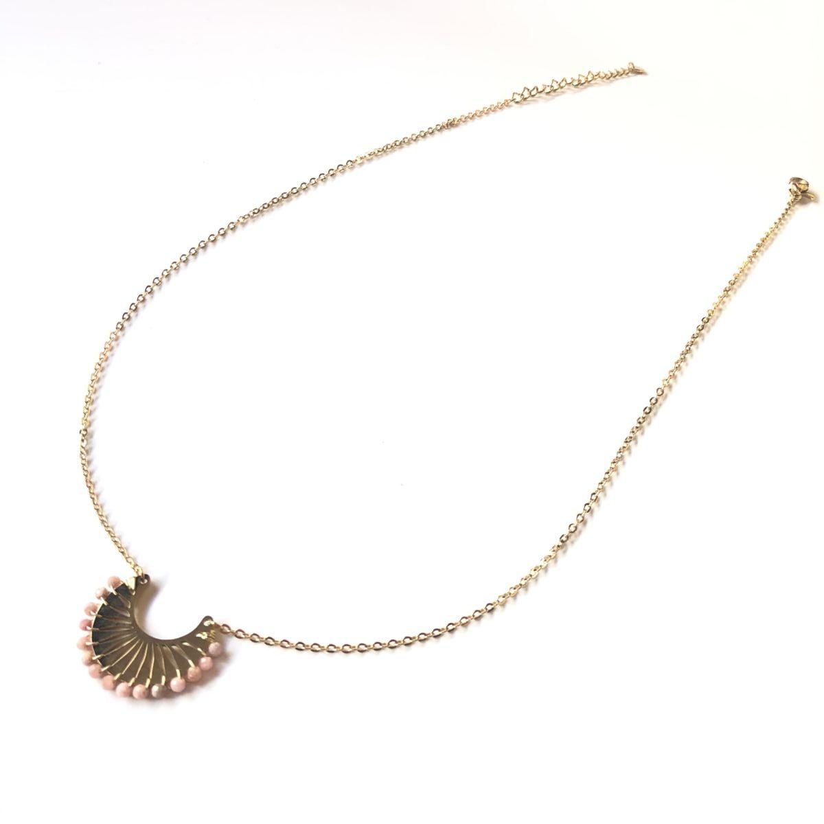 collier chaine pendentif ras du cou doré et rose by destele