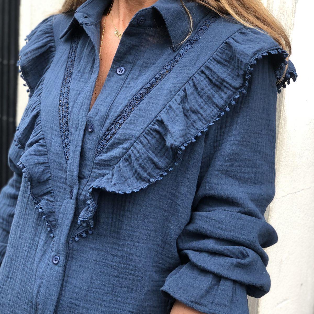 Chemise bleu canard à volants en gaze de coton manches longues by Destele