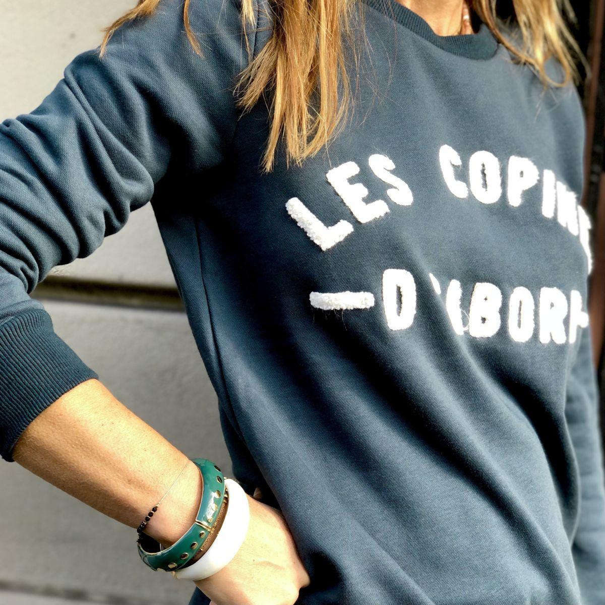 by Destele sweat bleu canard message les copines d'abord blanc col rond